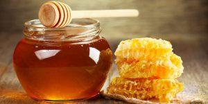 از فواید عسل در طب سنتی بسیار استفاده میشود